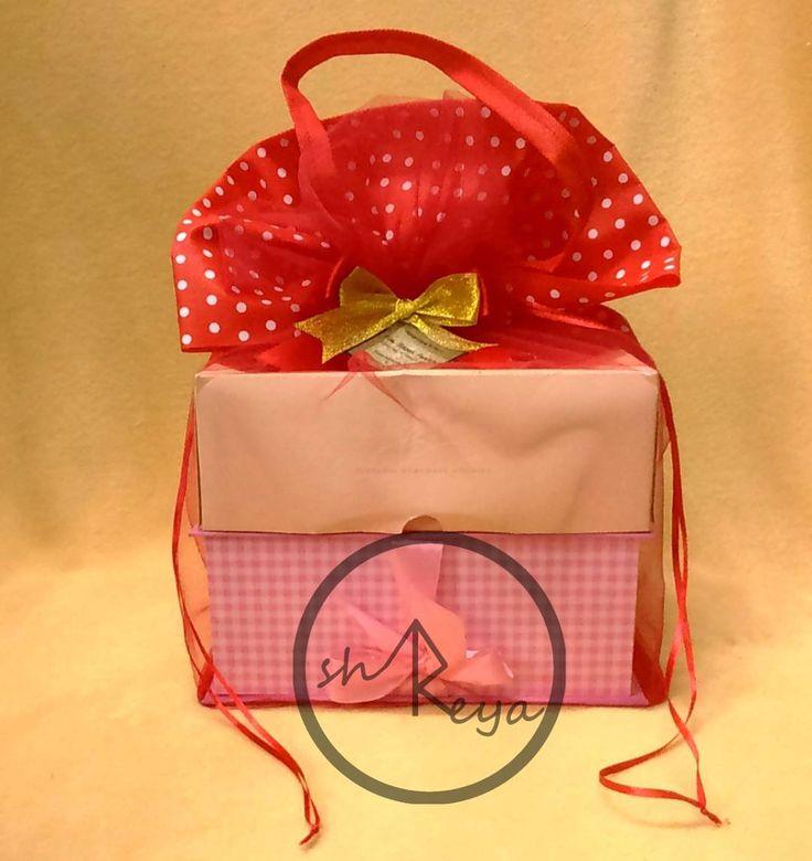 [#shreyatullebag]  Thanks to Mrs. Linda for the orders!  Spunbond - Tulle favor bag Size (p.l.t): 22x22x30 cm Custom size & color are very welcome  Tas ulang tahun / manyue / souvenir / snack Material: Spunbond-tile Menerima custom ukuran sablon & warna Minimal order 3 lusin  #spunbond #taspromo #tasulangtahun #tasanak #tulle #tile #design #packaging #birthdayfavor #tasspunbond #spunbondbag #shreyagoods #shreyaspunbond #surabaya #manyue #souvenirs #berkatan #tahlilan #partysupplies #hangtag…