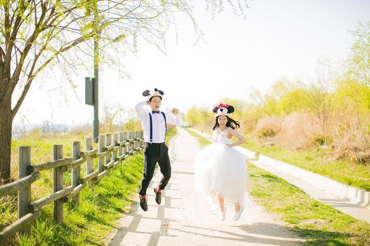 - #세미웨딩#세미웨딩스냅#야외웨딩스냅#노을공원#미키#미니#디즈니#justmarried#❤️꽃섬스냅#꽃섬#예비신부#예신#결혼준비#웨딩#웨딩스냅#맛보기#원본#조작가님#하나작가님#감사합니다 #wedding#weddingphoto#weddingphotography#weddingsnap#웨딩스타그램#서아웨딩 http://gelinshop.com/ipost/1517978217385702725/?code=BUQ8SVoDjVF