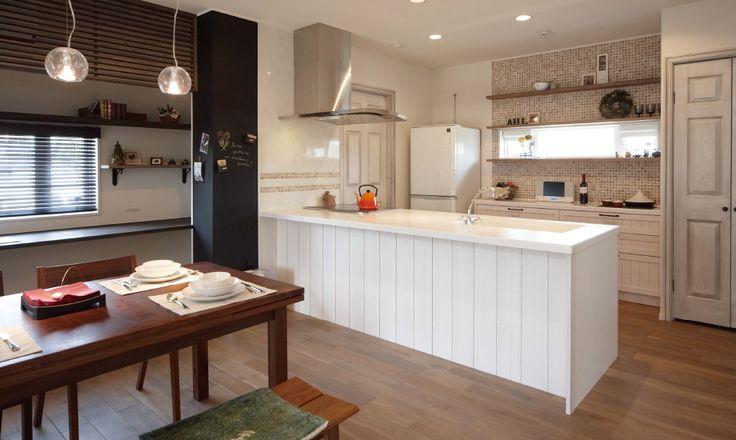 人々をひきつける自然素材で、暮らしを描きつづける家。 | 無垢の木のキッチン su:iji(スイージー)