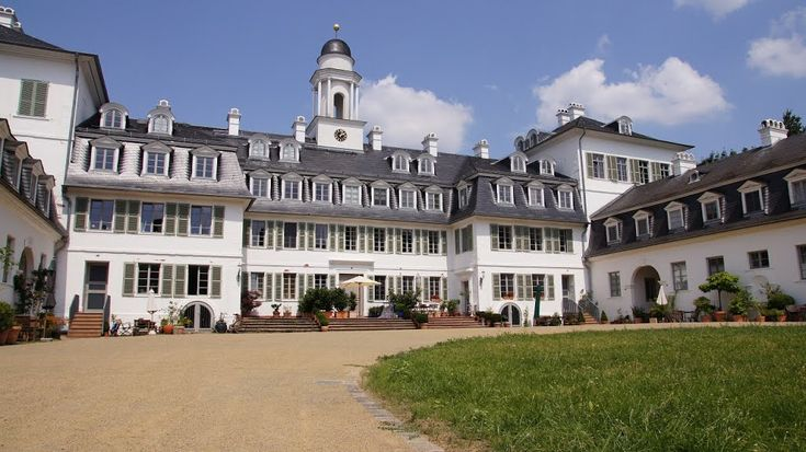 Prince Friedrich and Caroline of Hesse-Kassel lived in Schloss Rumpenheim near Frankfurt from the 1780s. In the following century it wasthe...