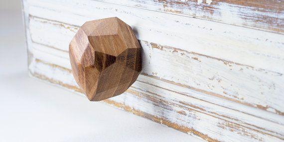 Cabinet knobs and handles. Walnut. Drawer knob for door LuzDelBosque