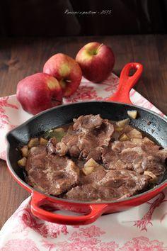 Bistecche di coppa di maiale alle mele, scalogno e cannella | pensieri e pasticci