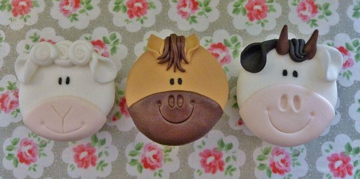 Cake Decorating Bagshot : 17 best ideas about Farm Animal Cakes on Pinterest Farm ...