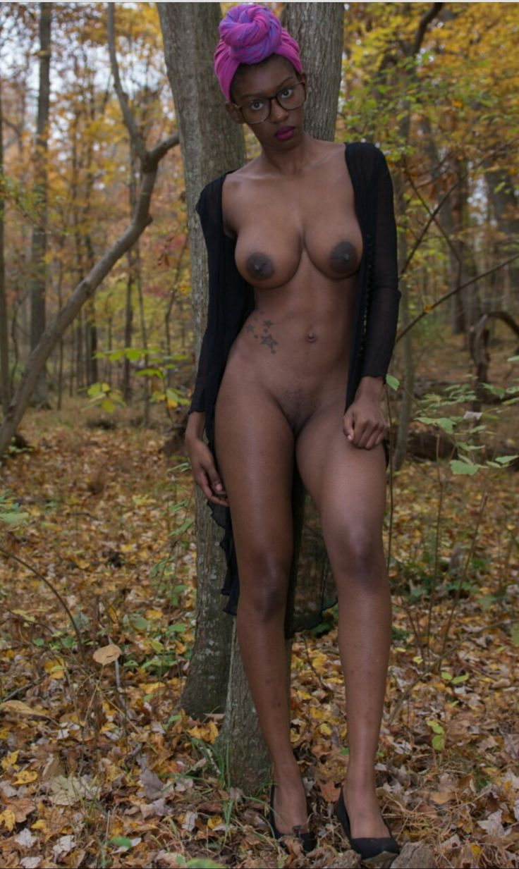 Ebony Non Nude Model 51