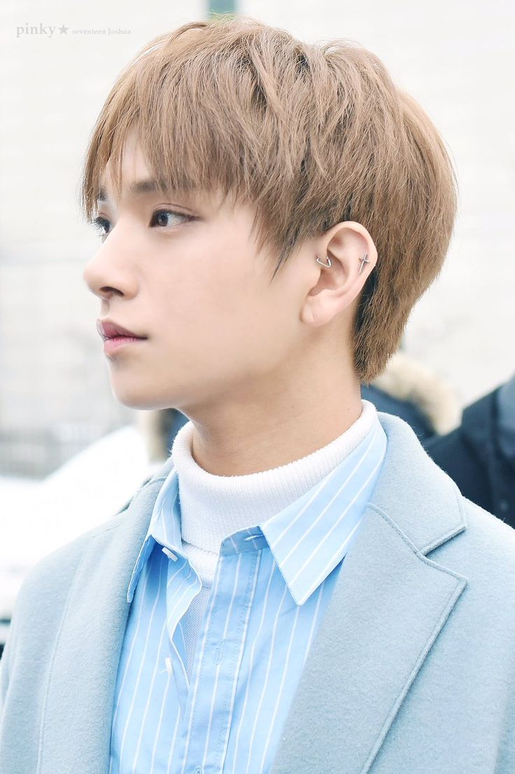 Joshua (조슈아) of SEVENTEEN (세븐틴)   What more can I say other than he's simply perfect? ❤❤