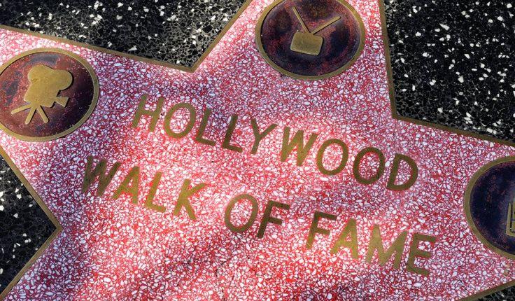 El paseo de la fama de Hollywood es otra atracción muy concurrida por turistas, que consta de miles de estrellas de terrazo y bronce incrustadas en el pavimento de las veredas de Hollywood Boulevard y de Vine Street. Estas estrellas tan famosas son monumentos públicos permanentes para músicos, directores, productores, grupos de teatro y de música, personajes ficticios y, por supuesto, figuras del mundo del espectáculo. Es un punto de interés tan popular que las autoridades de Hollywood…