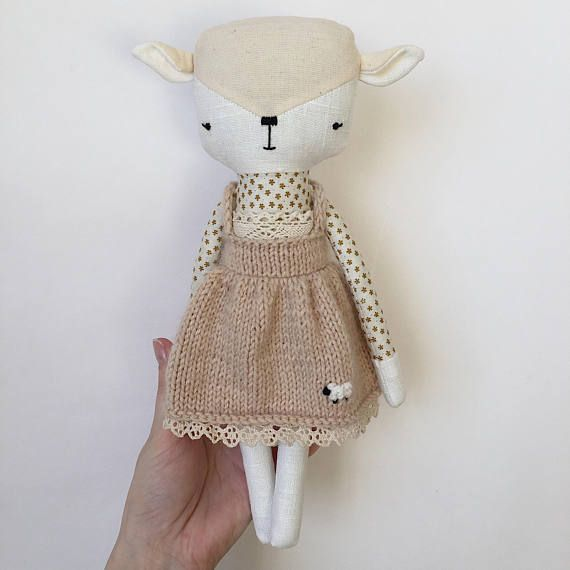 This lambie girl has been made to give your children many happy moments whilist playing. She is made of 100% linen, cotton, holofiber, mouline, cotton lace and baby yarn.  She is approximately 11,02 inches high, so you can take her with you wherever you go!  She would like to live in a good family and delight you for many years.  Shipping takes 1-3 business days.
