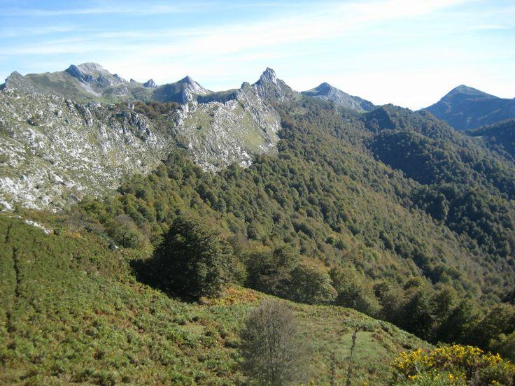Pico Macidome gezien vanuit Fresnedal, Orlé, in december, Asturias