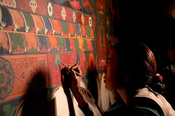 In Nepal, Buddhists Reconstruct Tibetan Murals - NYTimes.com