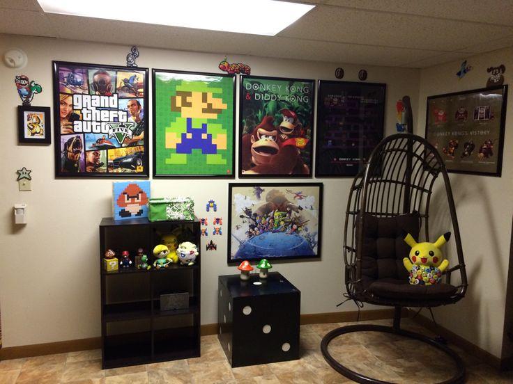 les 23 meilleures images du tableau deco gamer geek sur pinterest chambres salle des joueurs. Black Bedroom Furniture Sets. Home Design Ideas