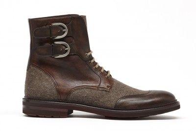 Termina el año explorando com estilo. Lleva estas botas Prada a todas tus aventuras.