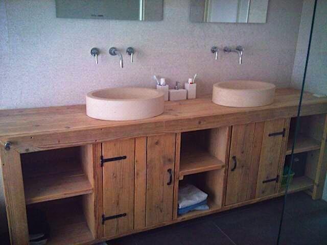 Badkamerkast van steigerhout