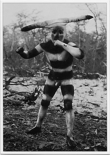 isamale: Selk'nam bodypainting (Kataix spirit) (via Niall Corbet)