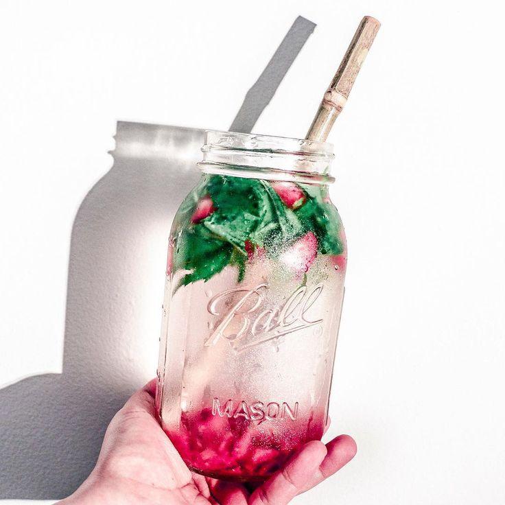 """V I T A M I N • W A T E R  Crushed strawberries, fresh mint, vegan B12 drops & spring water. ✘ #radplantlife"""
