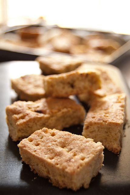 Finti shortbread al limone e mais tostato by Elvira - Ciboulette, via Flickr