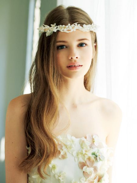 花冠×ダウンヘア|ヘアメイクカタログ|ブライダル・ビューティ|ザ・ウエディング