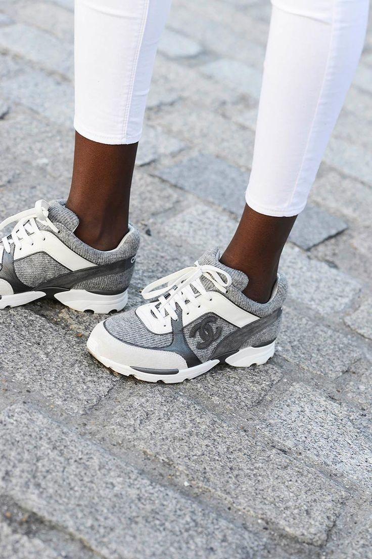 basket chanel grise pas cher,Chanel chaussures 2014 basket ball femme  classique pas cher Noir Blanc 1659c7f316f