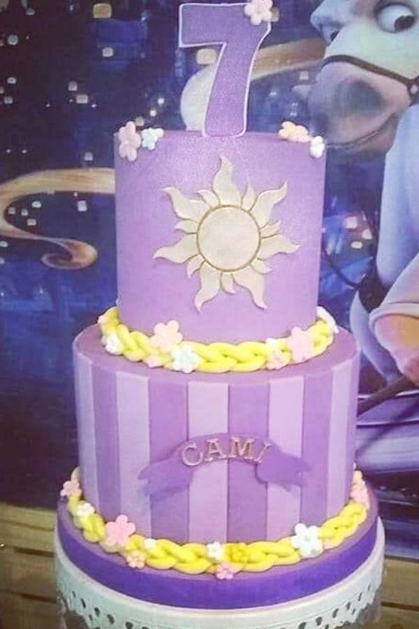 Swoon over this amazing Rapunzel birthday party! The dessert