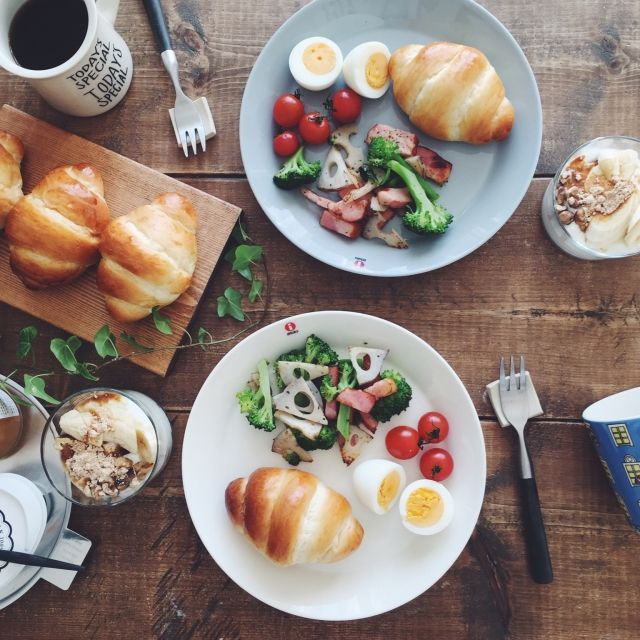 nicoさんの、机,朝ごはん,イッタラ,北欧雑貨,お家カフェ,おうちカフェ,アラビア,手作りパン,北欧食器,イッタラ ティーマ,朝ごパン,暮らしを楽しむ,こどもと暮らす,おうち時間,のお部屋写真