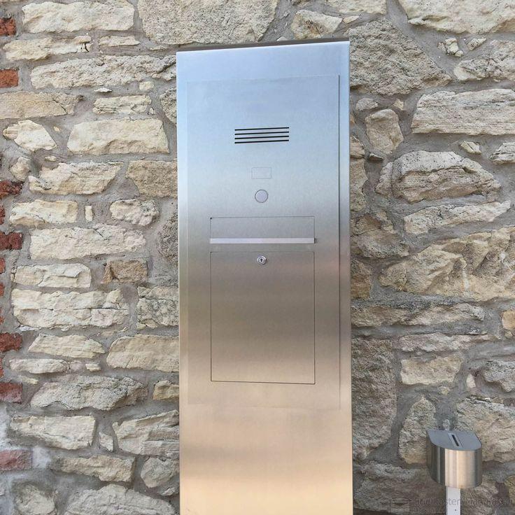 Kommunikations Stele mit Briefkasten und Klingeltaster in Edelstahlgehäuse. Wir fertigen individuell auf ihren Bedarf.
