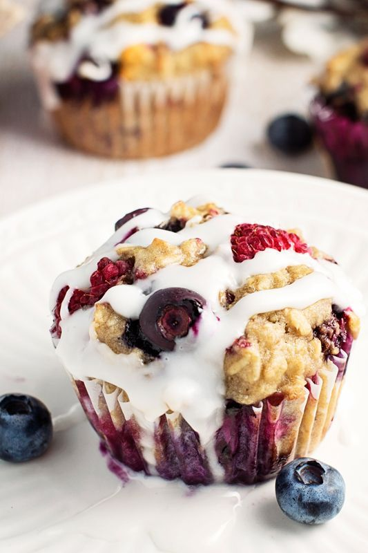 Healthy Iced Berry Oatmeal Breakfast Muffins- only 150 calories each and made with no butter!
