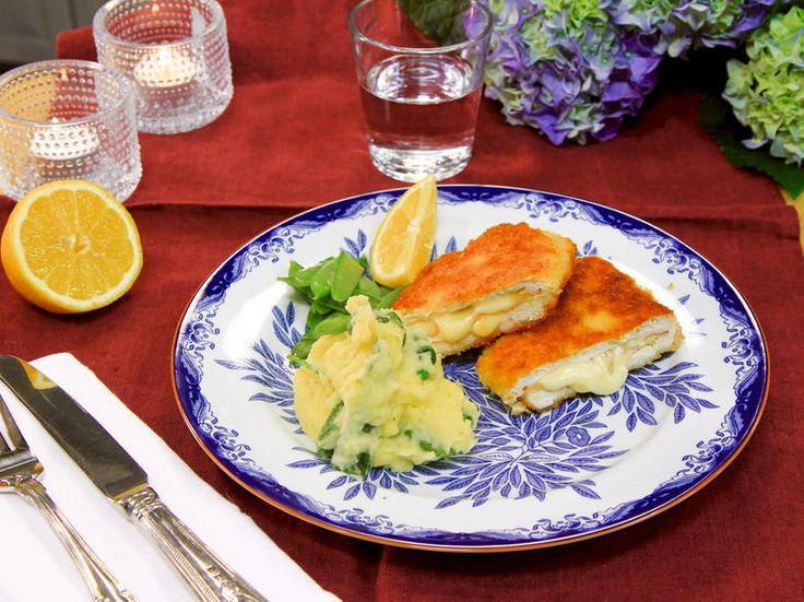 Kyckling cordon bleu med spenat- och vitlöksmos