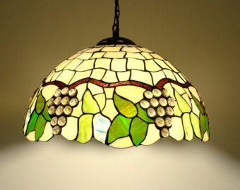 205 lampada a sospensione in stile Tiffany. di AmberGlassArt