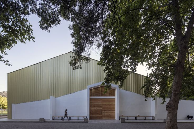 Completed in 2016 in Calera de Tango, Chile. Images by Aryeh Kornfeld. This is project is part of Calera de Tango's Municipal sports infrastructure for the Lonquén Public School.  The client, Calera de Tango's Municipal...