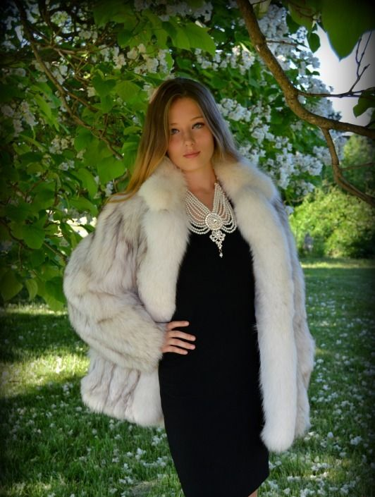 Pin by Se on blue&white fox fur coat | Pinterest | Fur, Foxes and ...