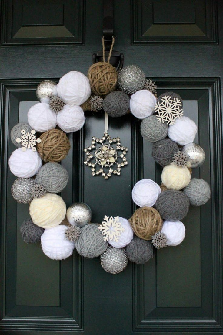 Yarn ball winter wreath