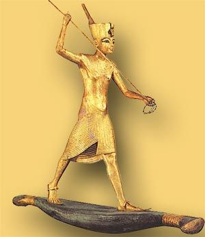 Gold statue, boy king hunting hippos