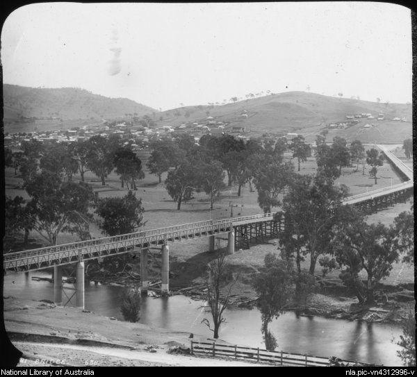 Prince Albert Road Bridge bridge over the Murrumbidgee River at Gundagai, NSW,   c 1886.   National Library of Australia