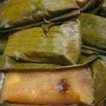 Surinaams eten!: Surinaamse lemmet: kue lemet, een Javaanse lekkernij van geraspte cassave gevuld met zoete kokos