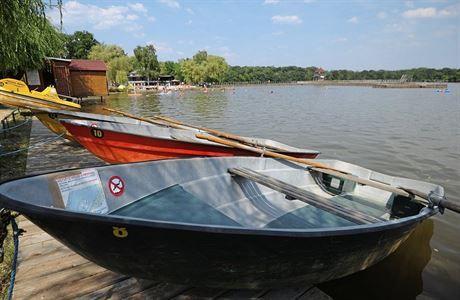 Za světovým unikátem. Zajeďte ke kamencovému jezeru v Chomutově | Aktuality | Lidovky.cz