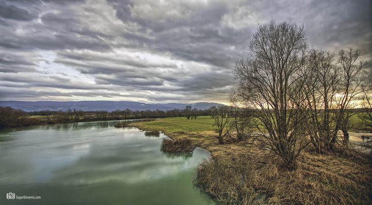 Nagrajujemo fotografije iz Slovenije... www.superslovenia.com  Krka River, Drama, Slovenia Foto by: Show In My Eyes