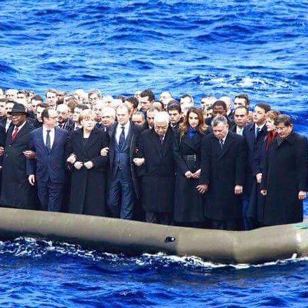 Orta Doğu'da akan kanın sorumlusu olan liderleri köpek balıklarının ortasına bırakmak harika olurdu insanlığın geleceği açısından. Ancak önce kızgın güneş altında su ve yiyecek olmadan günlerce kalsınlar ki sebeb oldukları insanlık dramını onlarda yaşasınlar. Öncelik tek bir mülteci kabûl etmeyen Sudi Kral ardından Katar Şeytanı olmalıdır. Sonra Kuveyt ve BAE ..Ve kesinlikle Netanyahu ki İsrail'in Kültür Bakanı geçtiğimiz günlerde İsrail o çocuğu vurmalıydısözlerini unutmamak gerekir. Bir…