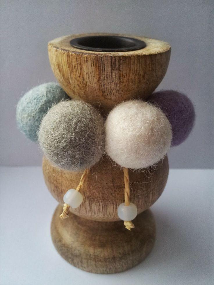 A Spoonful of Crafts: Nem filtkugledekoration til lysestage / Easy Felt Ball Decoration for Candlestick