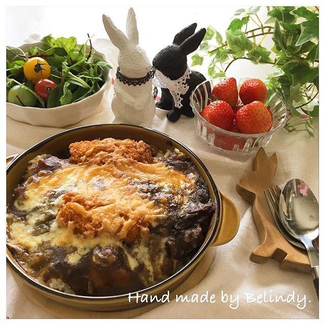 belindy_satamisaぉはよ〜ございます♡( ᵕ̤ɜ)ᵕ̤ૢᴗᵕ̤ૢ )♡ * 昨日の夕ご飯は *  女子ごはんだったからシンプルに * #イカフライのせ焼きカレー  #ベビーリーフ #カラフルトマト  #いちご  をいただきました * ❇️ ❇️ * #手作り#ごはん#おうちごはん#おうちカフェ#カフェごはん#丁寧な暮らし#ランキング#カレー#焼きカレー  #food#foodpic#instafood#homemade#instagood#kaumo#kaumo_fashion #Instagram #ranking