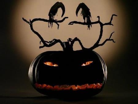 Gothic Spooky pumpkin: Fall Pumpkin, Halloween Stuff, Halloween Decor, Black Pumpkin, Hallows Eve, Halloween Pumpkin, Fall Halloween, Black Halloween, Jack O' Lanterns