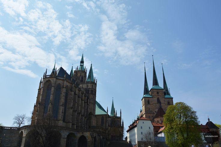 Erfurt cathedral, Germany http://sekulada.com/10-miast-w-niemczech-ktore-pokochacie/