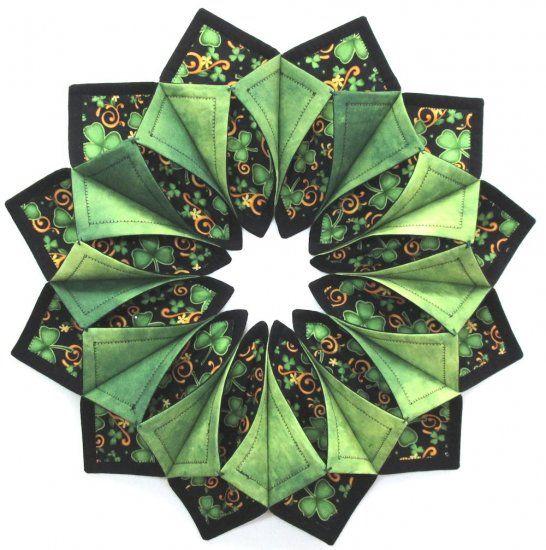 Shamrock Fold N Stitch Wreath 2 Kit Table Topper