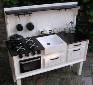 Leuk landelijk keukentje