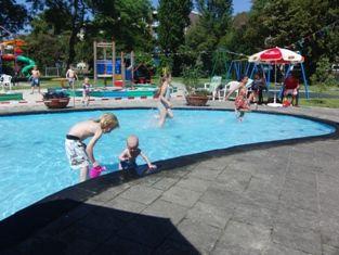 Zuidwest Leiden speeltuin en zwembadje