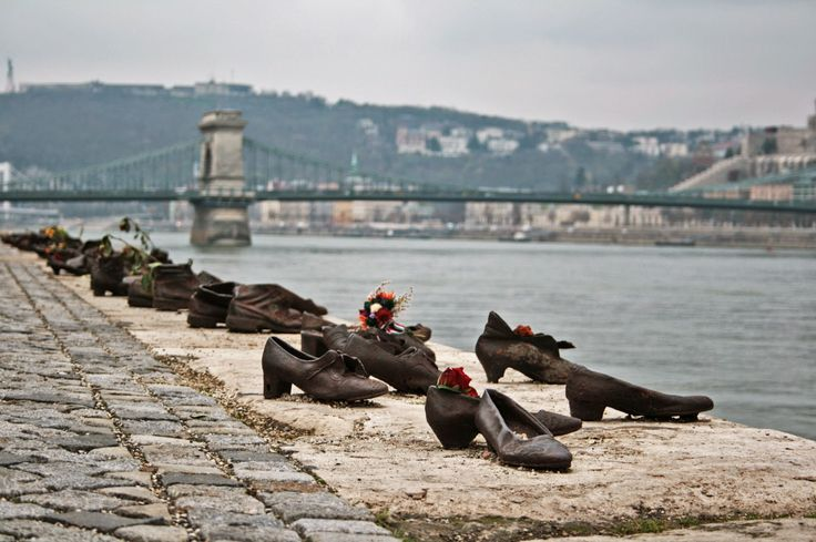 Shoes on the Danube - Budapest - The wibbley bits