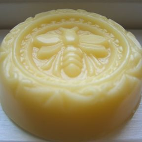 homemade soap ~ This is so beautiful, it would look so nice in the Apocathary Jar that I have in my bathroom with the other specialty soaps and bath bombs.