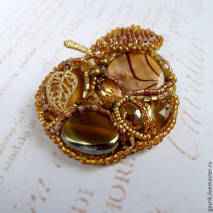 """Купить Брошь-кулон """"Золотое яблоко"""" - золотистый, брошь ручной работы, брошь-кулон, подвеска"""
