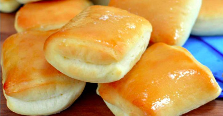 Do you love Texas Roadhouse rolls? Those infamous buttery soft, fluffy rolls with cinnamon honey butter glaze from the still-growing American steakhouse chain that doesn't cut corners on quality are seriously to die for. It's the ultimate dinner roll that's deliciously addictive and yes, full of carbs, but worth every single bite! Every one of them!