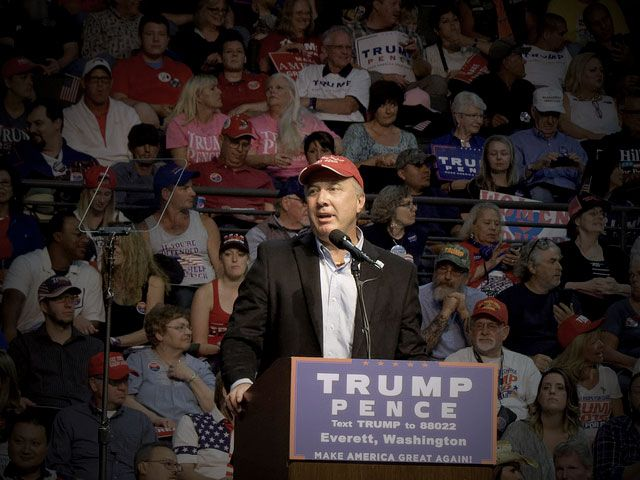 Trump-Loving GOP Lawmaker Proposes Bill to Define Protests as a Form of Terrorism   Sen. Doug Ericksen speaks at a Trump rally in Everett, Washington, on August 30, 2016. (Photo: Ronald Woan)
