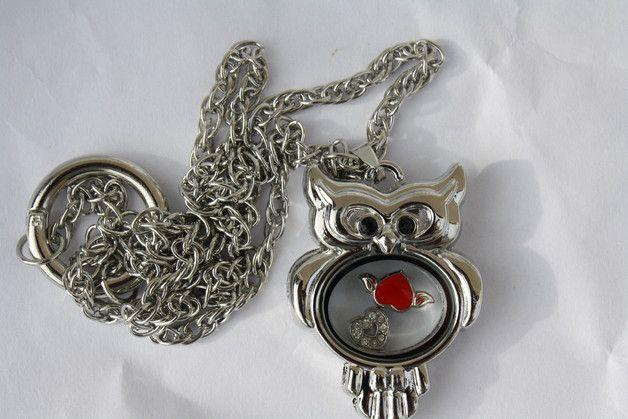 #Schmuck #Kette #floatingcharm #Herz #rot #Strass Nun mal ein Exemplar aus meiner floating charms-Edition - es gibt immer eine Kette, einen Anhänger (aufklappbar mit Magnetverschluss - Achtung...