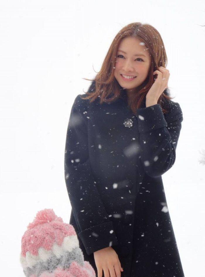 """朝起きて、鏡に映る自分が北川景子であればいい…。この度、9回目となった恒例の『女性が選ぶ""""なりたい顔""""ランキング』(ORICON STYLE調べ)が発表され、女優の北川景子さんが堂々の第1位を獲得!2013年度から連続の首位で、史上初となる3連覇を達成しました。"""